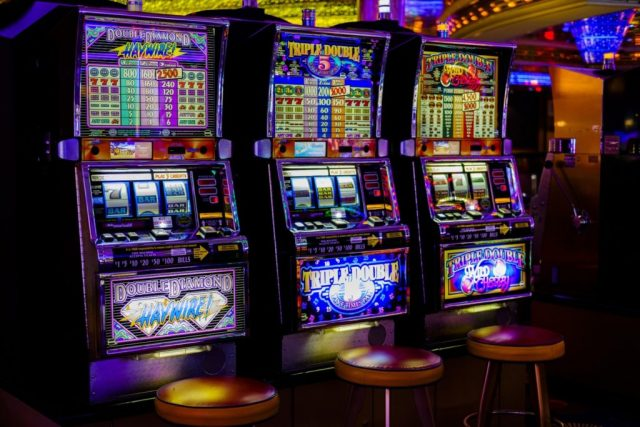 The Loss Of Life Of Online Casino And The Right Way
